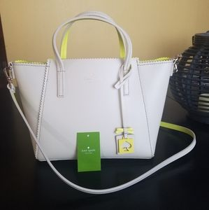Like new Kate Spade small loryn purse crossbody